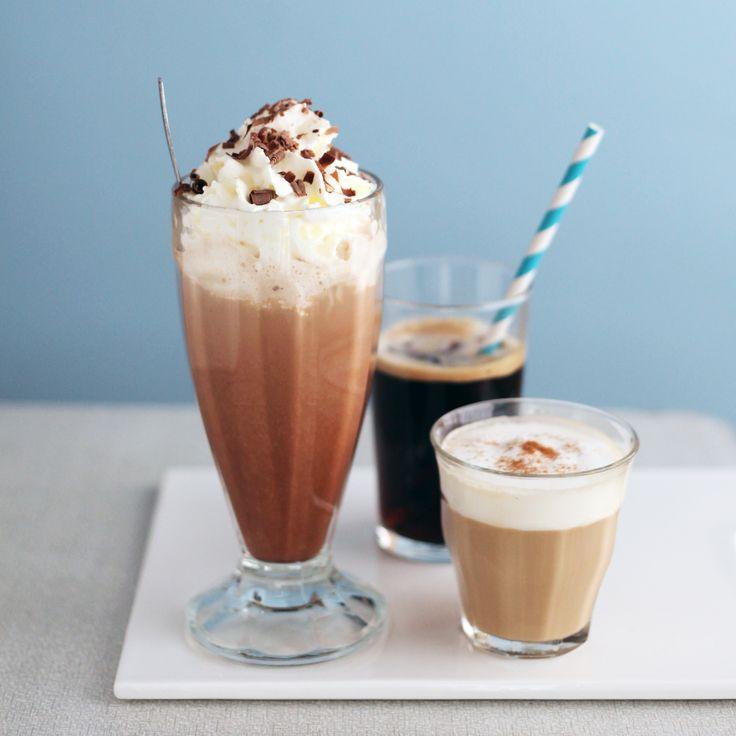 IJskoffie - ijscappuccino - ijskoffie met hazelnootsiroop - ijskoffie met chocolade en Malibu * Iced coffee - iced cappuccino - iced coffee with hazelnut syrup - iced coffee with chocolat and Malibu #frappe #frappuccino
