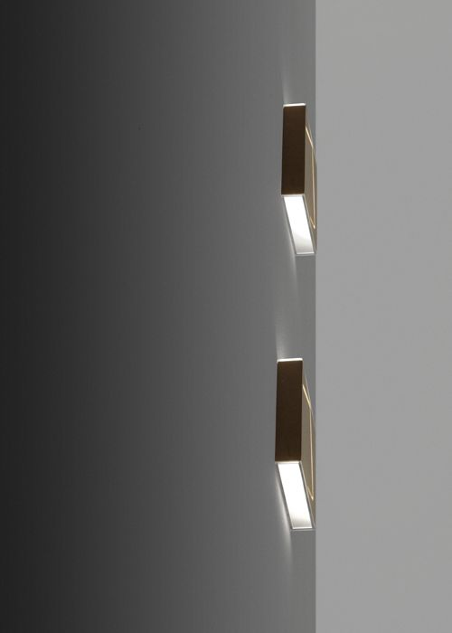 #Puà, available in different finishes, to be used as applique or spotlight, Fabbian Illuminazione spa #design #lightdesign #lamps #designlamp #spotlight #white #black #corten #Fabbian #interiordesign #homedecor #architecture
