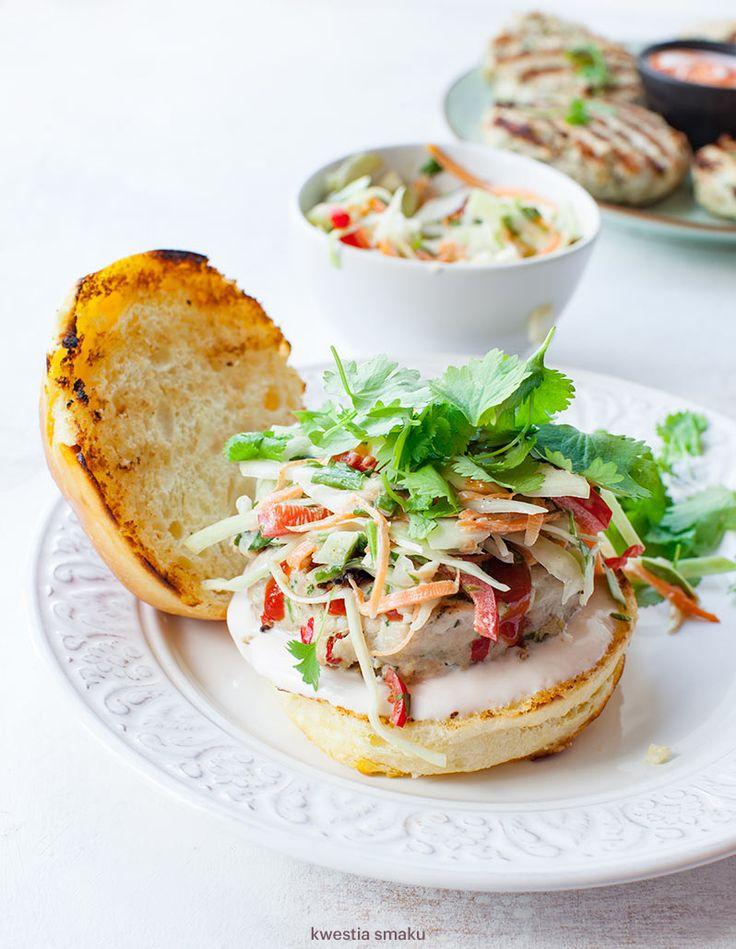 Tajskie burgery drobiowe