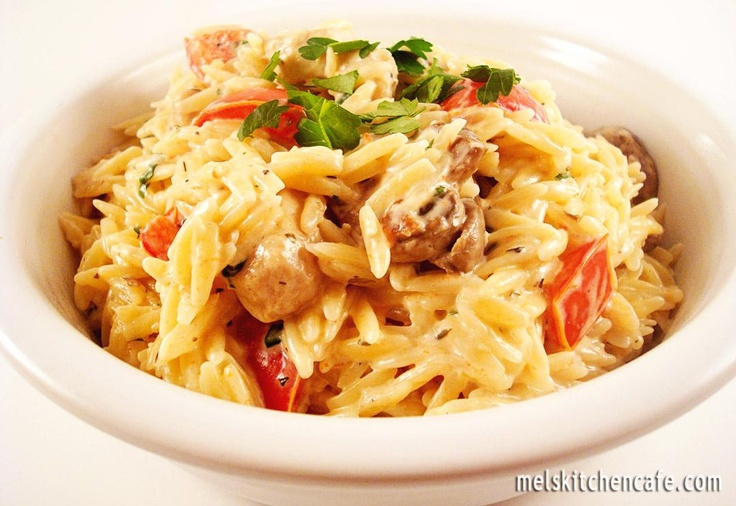 Creamy Orzo with Chicken, Mushrooms & Red Peppers