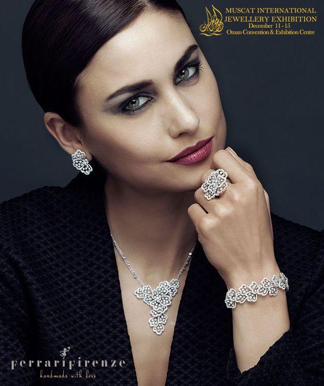 عقد الماس رقيق Gorgeous Necklaces Jewelery Pendant