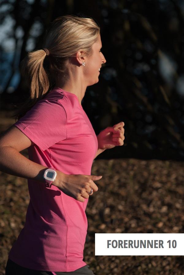 Jeder Kilometer zählt. Zeichne mit dem neuen Forerunner 10, Garmin's einfachster GPS Laufuhr, jeden auf. Er zeichnet genau auf, wie weit und wie schnell Du läufst und wieviel Kalorien Du verbrennst und hilft Dir so, Deine Ziele im Auge zu behalten. Dein Lauf heute ist Motivation für morgen.