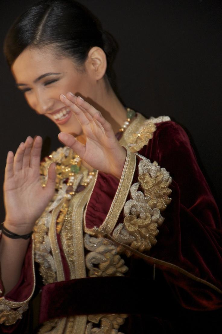 CAFTAN/AMINA PAR RACHIDA/LIVRE FLORILEGE DE LA BRODERIE MAROCAINE