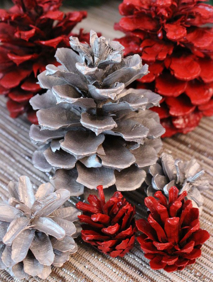 how to make christmas decorations out of pinecones