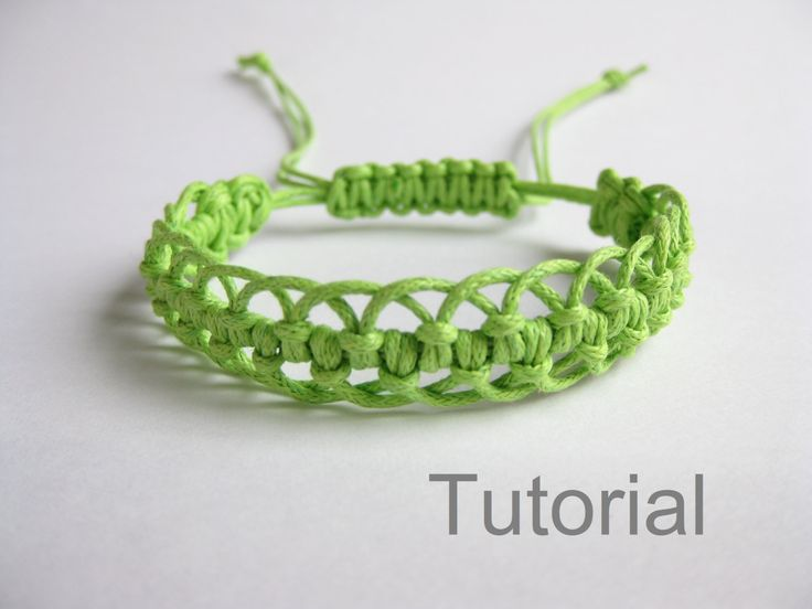 Bracelet pattern macrame tutorial pdf green adjustable clasp jewelry makrame tuto step by step micro diy christmas instant download micro (4.50 USD) by Knotonlyknots