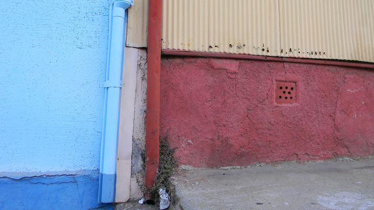 Walls with pipes, Valparaiso Chile