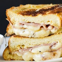 Monte Cristo Sandwich via @browneyedbaker