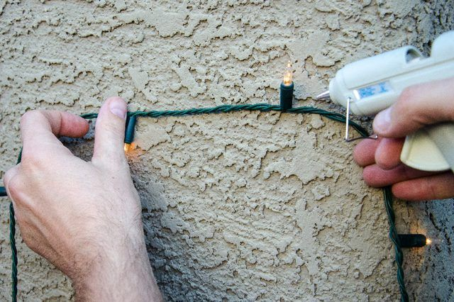 How To Hang Christmas Lights On Stucco Ehow Things We