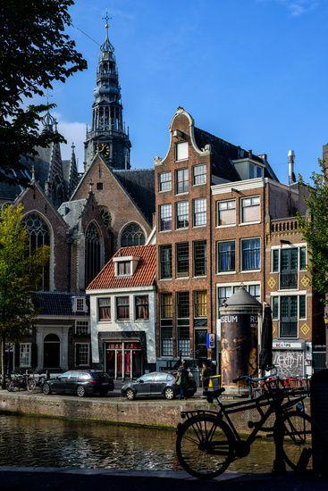 Nieuw in mijn Werk aan de Muur shop: Zicht op de Oude Kerk in Amsterdam.