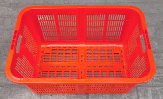 Selatan Jaya distributor barang plastik Surabaya: keranjang industri krat plastik kode a002 merk TOP...