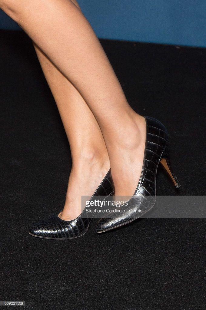 Photo d'actualité : Actress Virginie Ledoyen, shoes detail, attends...