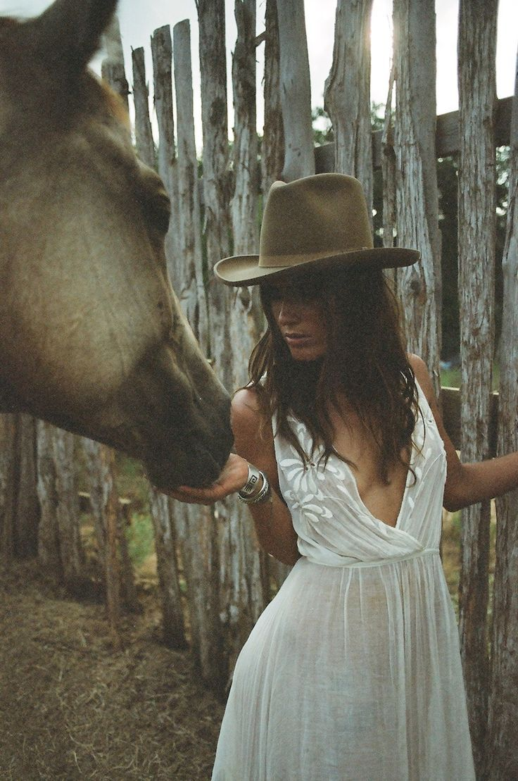 Amanda Leigh Smith For Heyoka Leather's Newest LookBook