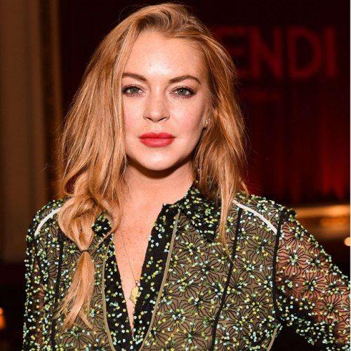 Lindsay Lohan faz campanha para doação de cobertores... da Hermès