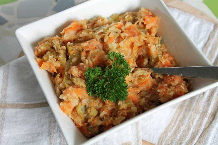 Snelle hutspot -- 200 gr champignons (32), Blik witte bonen, 1 grote ui (58), 500 gr wortels (170), 1 tl Italiaanse kruiden of thijm, 1 tl Kurkuma, Peterselie