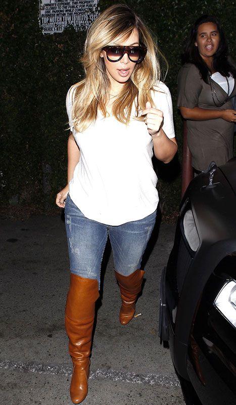 Kim Kardashian in skinny jeans on Oct 12, 2013