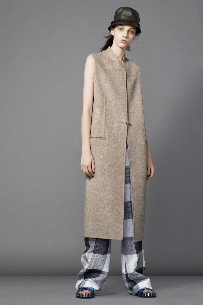 Acne Studios Resort 2015 - Slideshow - Runway, Fashion Week, Fashion Shows, Reviews and Fashion Images - WWD.com