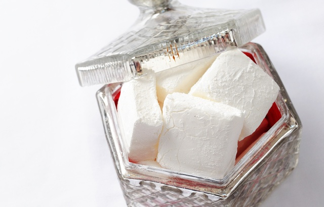 Homemade marshmallows - if you haven't done it you need to
