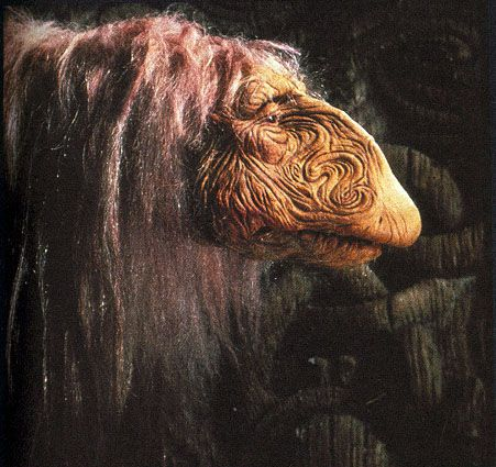 dark crystal master | The Dark Crystal is notably darker than Henson's other projects. I ...