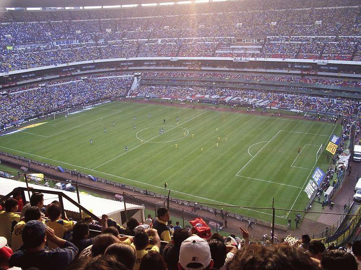 Estadio Azteca, Ciudad de México (México): 105.600 personas