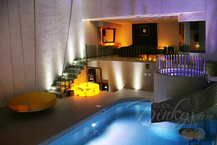 Conoce fotos y precios del hotel new port villas suites for Precio habitacion hotel