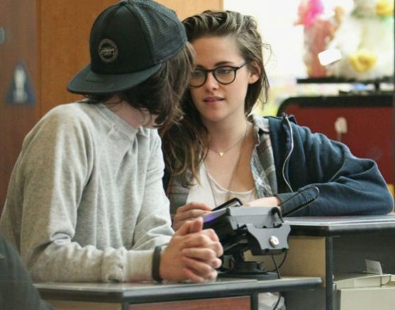 Kristen Stewart and gf Alicia Cargile in New York while(kristen) filmed.