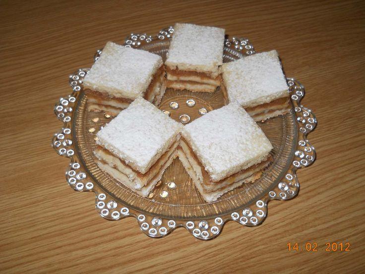Prajitura cu mere: Reçoi Pas, Food Desserts, Cake Recipe, Cake, Romanian Cakes, Recipe Posted, Reçois Pas, Posted De, Romanian Food