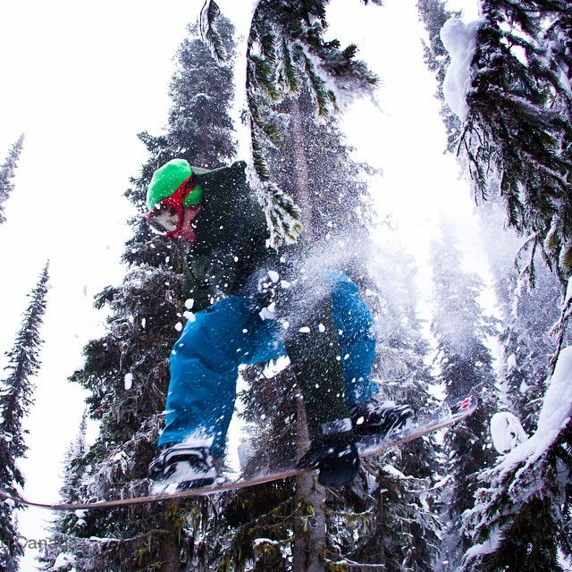 @mikelwitlox at @bigredcats #catskiing #rossland #bc  @khphotograph #snowboarding #canada #winteriscoming