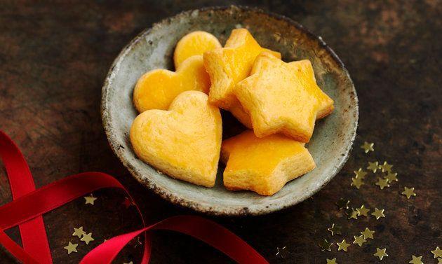 Das Mailänderli ist einer der Stars unter den Weihnachtsguetzli. Das Original-Rezept für den Mailänderli-Teig ist einfach und enthält Tipps zum Dekorieren.