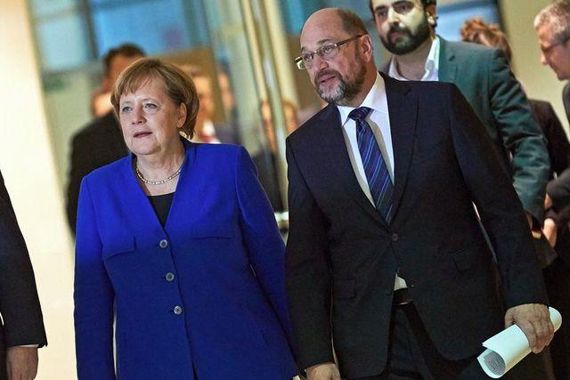 Kanzlerin Angela Merkel diktiert die Willkommenskultur und SPD-Präsident Martin Schulz träumt von den Vereinigten Staaten von Europa.