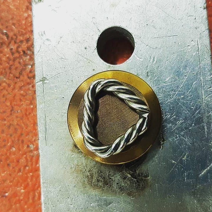 Follow me on More on my page #welding #weldporn #steel #steelstyle #canada #ontario #pendant #metalart #temperature #fire #jewelleryshop #jewelry #necklace #necklace #handmadejewelry #handmade #earrings #accessories #foryou #metalsculpture #progress #work #job #unique #exclusive #weld #colors #weldinglife #art #love
