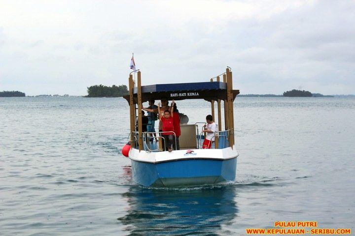 Glass Bottom Boat Pulau Putri