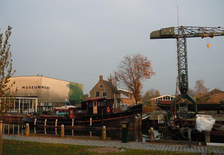 Wierselaan 113 Vreeswijk Nieuwegein - scheepswerf Buitenweg sinds 1856. Is op deze locatie in 1899 begonnen met een scheepshelling, vervolgens werkplaatsen voor staalwerk, machinale houtbewerking en een motorenwerkplaats. Het complex is nu museumwerf en historisch museum Vreeswijk.