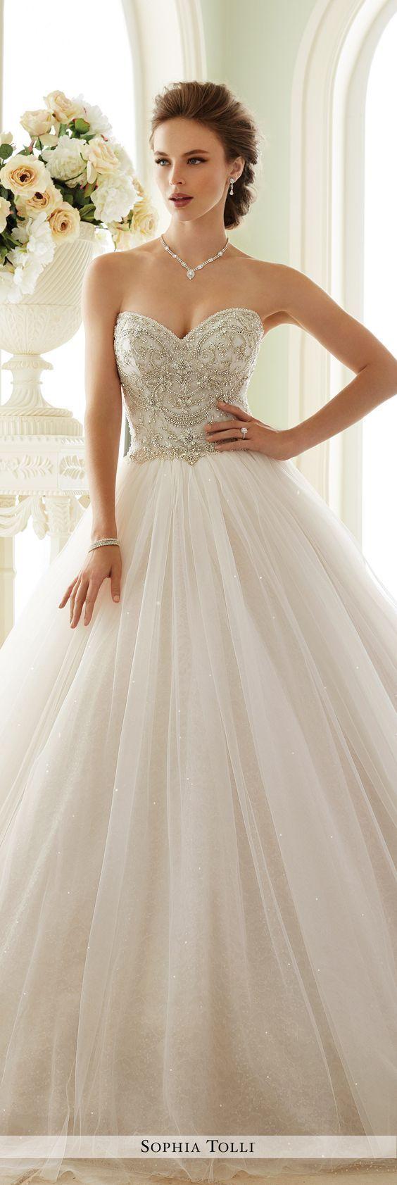40 Sweetheart Wedding Dresses That Will Take Your Breath Away - Deer Pearl Flowers / http://www.deerpearlflowers.com/sweetheart-wedding-dresses/