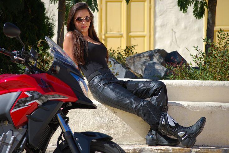 Soo hooot  #fashion #shox #bikergirl
