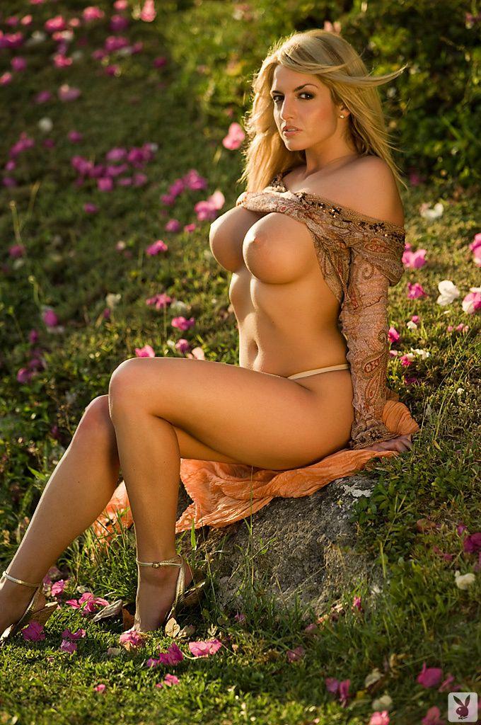 White girl hump nude