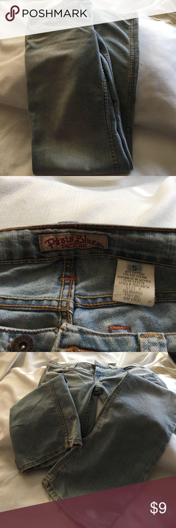 "Paris Blue Brand logo light blue jeans 💕💕💕Light blue washed look blue jeans. Very soft. Worn at the hem. Vintage look. Size 5. Inseam measures 30"" slight flare. 2 front & 2 back pockets.😊💕 Paris Blues Jeans Flare & Wide Leg"