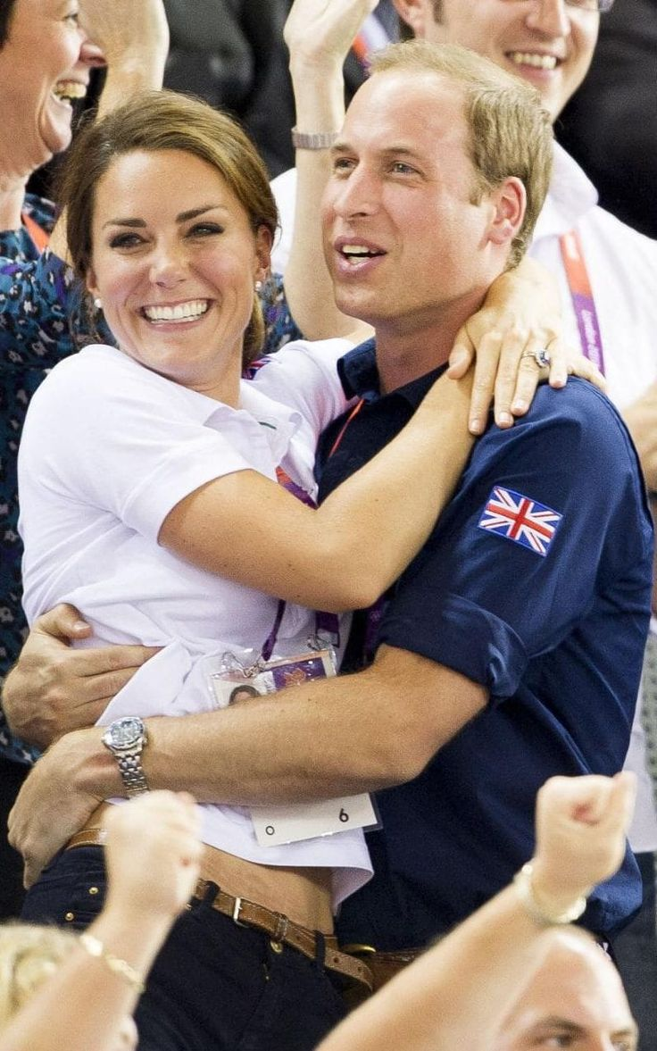 London Olympics 2012 Team GB, Kate and William cute couple picture hugging