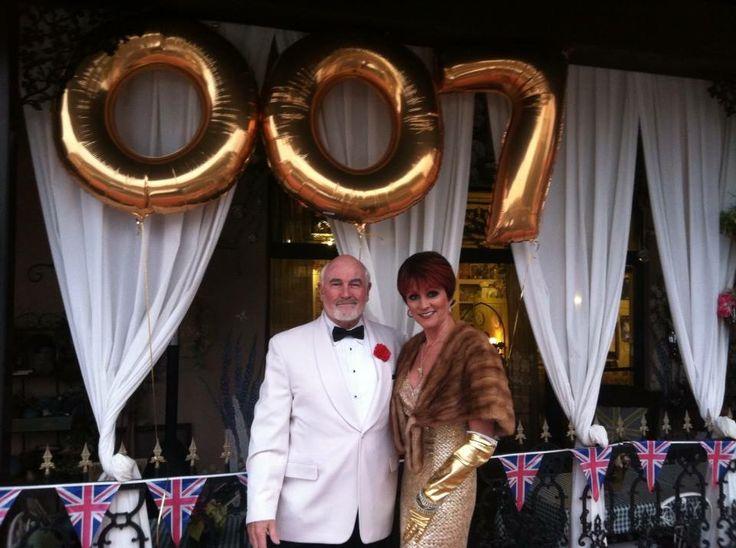 James Bond theme party !