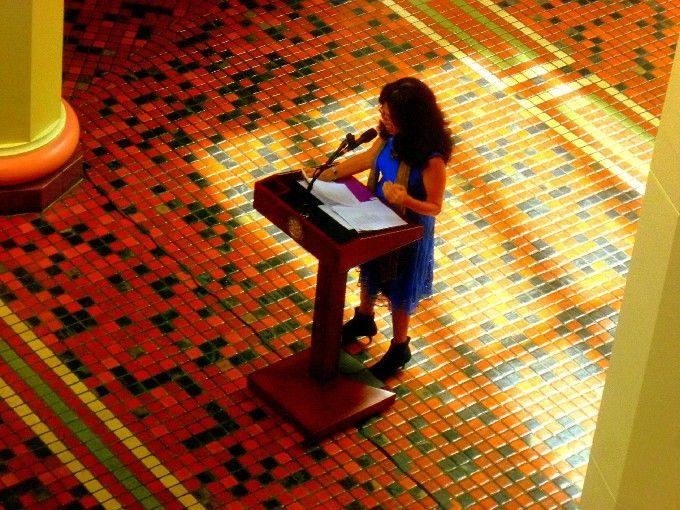 Heather Thomas declaiming in the storied Rotunda