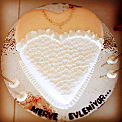 Kına gecesindeki pastam #Gelinlik #Wedding #Bachelor #bride