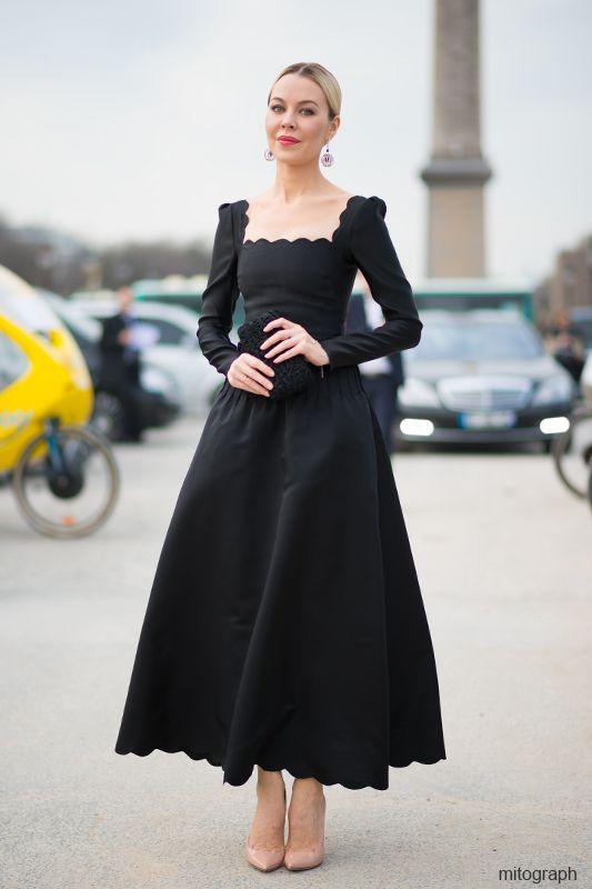 Ulyana Sergeenko Street-Style | Ulyana Sergeenko wearing Valentino 2012 Fall Winter Black Dress