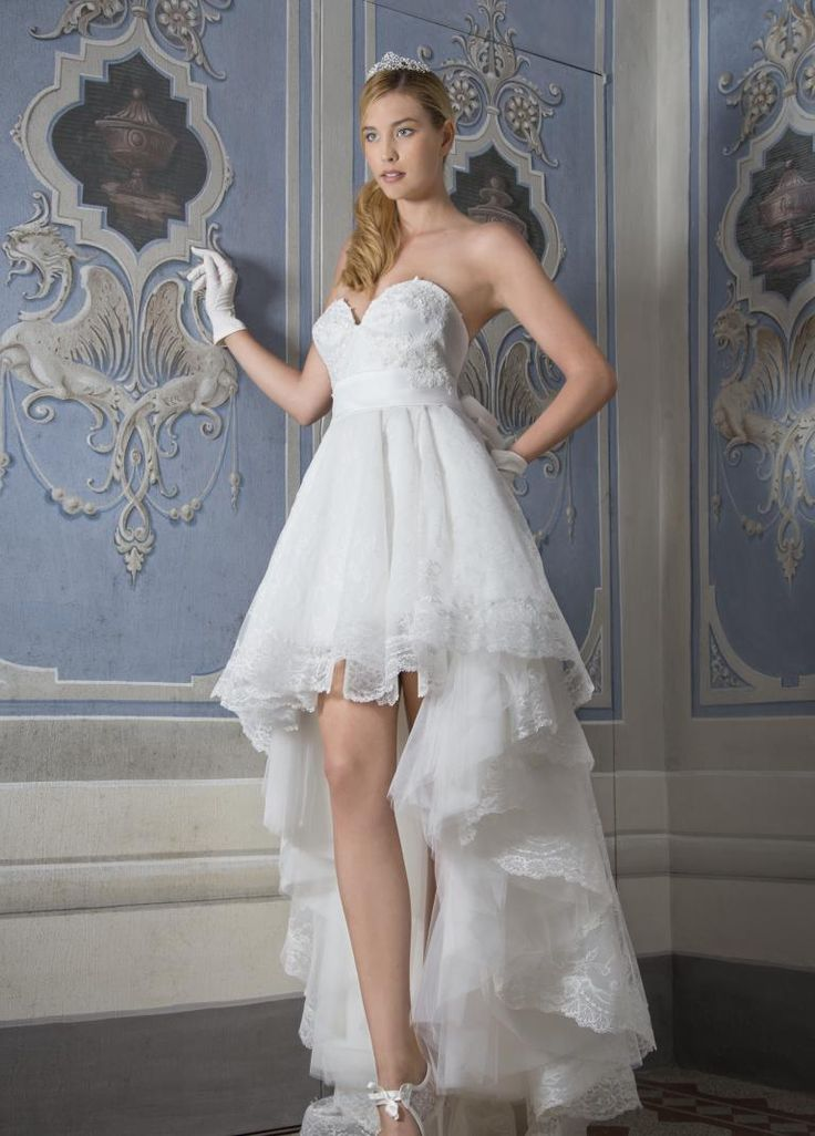 Abiti da Sposa Haute Couture short wedding dress with lace