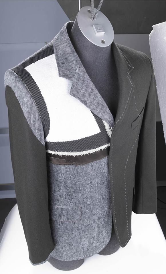 tailor****great idea for an 'inside-outside' jacket re-make....more pockets, please!! s-c