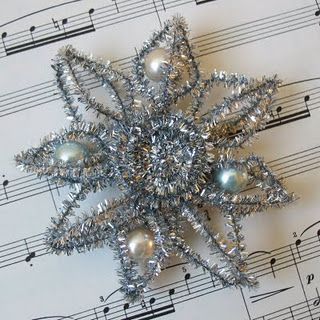 How to Make this Tinsel Star Ornament - using pipe cleaners, beads, glue and wire. This looks just like the old Victorian Christmas ornaments - via Kathy Martin