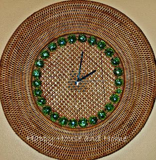 How To Make a Clock - this cost me nothing! And it was super easy!