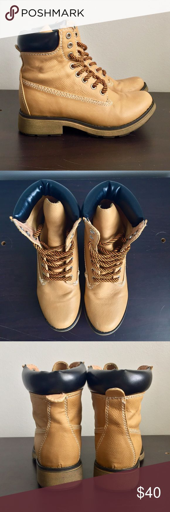 Steve Madden Women's Work Boot Steve Madden timberland-style boots. Light wear and tear: some creasing in the front and back. Left boot has a few barely noticeable scuffs. Still in great condition. Size 6. No trades. Steve Madden Shoes