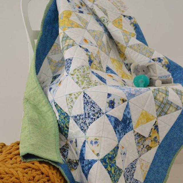 Babyquilt crib size #mydubai #quilting #pattern #quilt #cribbedding #babyquilt #crafting #dubaicraft #dubai #babyboy #blueandgreen #quilting #patchworkquilt  #scrappyquilts #mydubai #quilters #pattern #stitching  #quiltmarket #miniquilt #patterns #fabrics #quiltshop #msqcshowandtell #patchwork #quilttop #quiltmarket #quiltingfabric #dubaiquilter #dubailife  #quiltphotography #photshoot #printedfabric #robertkaufman