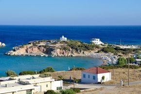 Karpathos heeft prachtige plekjes om te bezoeken. Het eiland is klein genoeg om op ontspannen wijze alles te kunnen aandoen en daarnaast ook nog de rust te pakken op mooie en lieflijke strandjes, waar toch ook veel mensen naar op zoek zijn. Door het hebben van een auto kan dit perfect gecombineerd worden