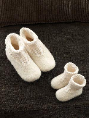 Free Knitting Pattern - Adult Slippers & Socks: Slip-ons