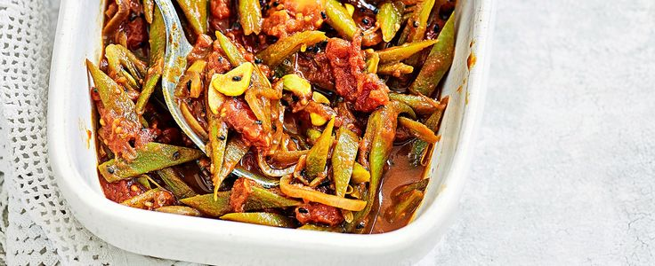 This recipe for runner beans with tomato and black onion seeds is vegan, low-cal and gluten free making it an easy, please-everyone side dish